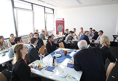 Bild: 111 Erstsemester an der eufom Deutschland