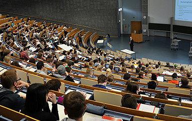Bild: 13. Akademie für Oberstufenschüler zum Thema Wirtschaftspsychologie