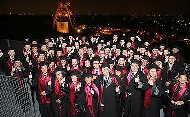 Bild: 130 Essener Master-Absolventen verabschiedet