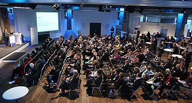 Bild: 400 Gäste bei MINT-Botschafterkonferenz