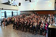 Bild: 56 Oberstufenschüler zu Junior Managern ausgebildet