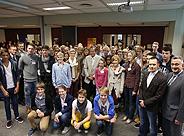Bild: 56 Schüler lernen an der AJM Academy for Junior Managers