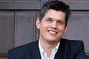 Bild: Auszeichnung für Leipziger FOM Professor Dr. Stephan Buchhester