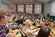 Bild: Bewerbung für Schülerstudium bis Ende Dezember