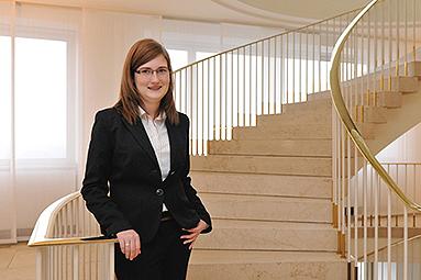 Bild: Die Story: Beste Auszubildende Deutschlands beendet FOM-Studium mit Note 1,3