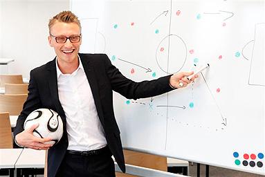 Bild: Die Story: FOM-Studium statt Bundesliga