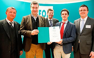 Bild: FOM Hochschule gratuliert 20.000stem Absolventen