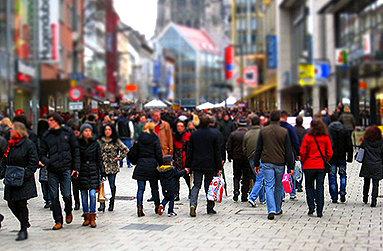 Bild: FOM Umfrage zum Kauf von Weihnachtsgeschenken