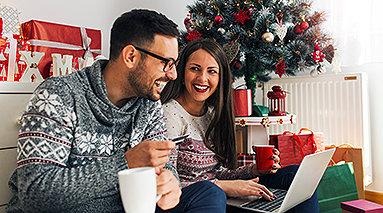 Bild: FOM Weihnachtsumfrage: Junge Generation kauft online