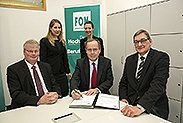 Bild: FOM unterzeichnet Kooperationsvertrag mit LDT Nagold