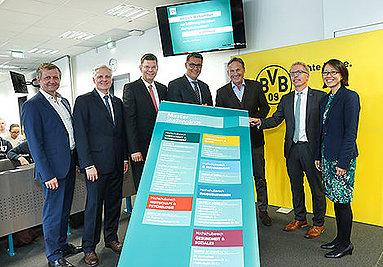 Bild: Feierliche Eröffnung des neuen FOM Campus in Dortmund