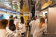 Bild: Labor-Truck zu Gast in Essener Gymnasium