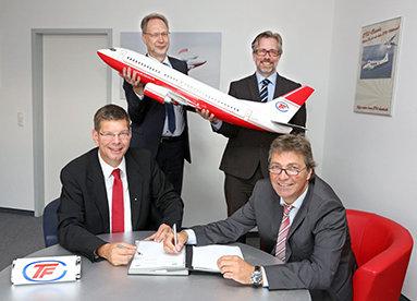 Bild: Managementwissen für Piloten: FOM kooperiert mit der Flugschule TFC Käufer