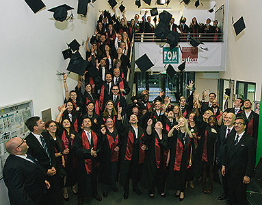 Bild: Master-Feier an der FOM München