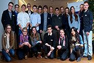Bild: Mehr als 200 Schüler studieren an der FOM Hochschule