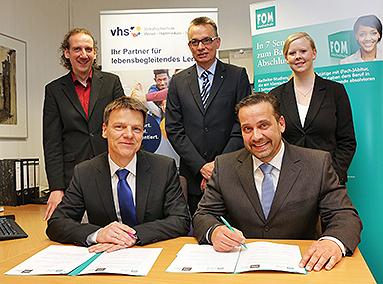Bild: Neue Bildungskooperationen mit der FOM in Wesel