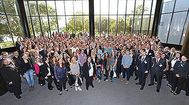 Bild: Semesterstart mit hunderten neuen Studierenden
