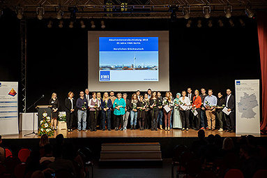 Bild: VWA Berlin verabschiedet Absolventen und feiert Jubiläum