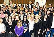 Bild: VWA verabschiedet 300 Studierende in Hessen