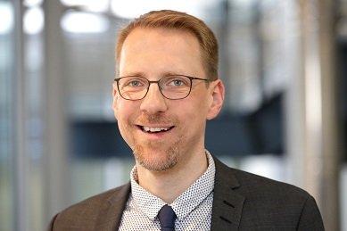 Bild: Warum Tageslicht, Gespräche und Strukturen jetzt noch wichtiger sind:  Prof. Dr. Kantermann im Interview