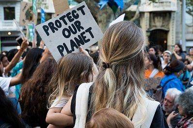 Bild: Was hat die Rolle der Frau mit dem Klimawandel zu tun?
